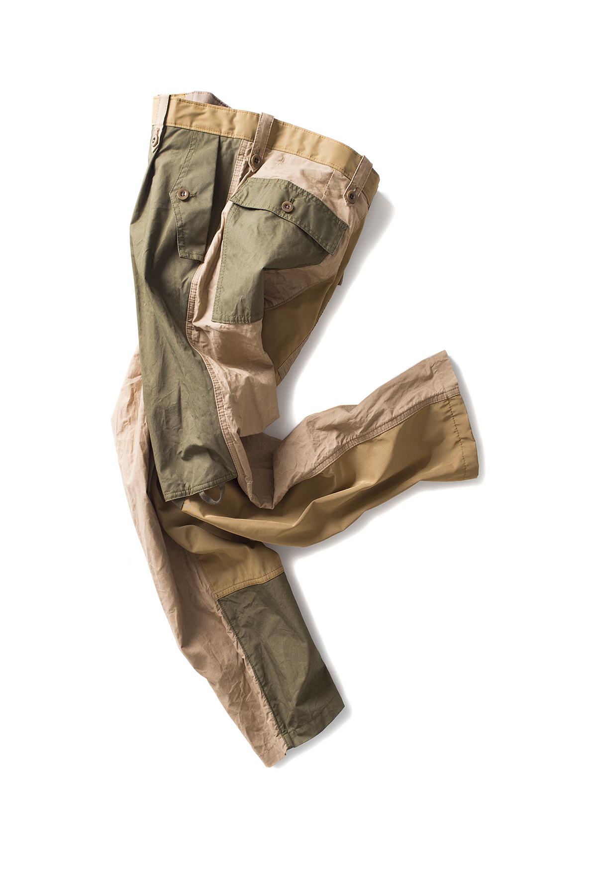 kolor / BEACON : Paraffin Coated Cropped Military Pants (Beige x Khaki)
