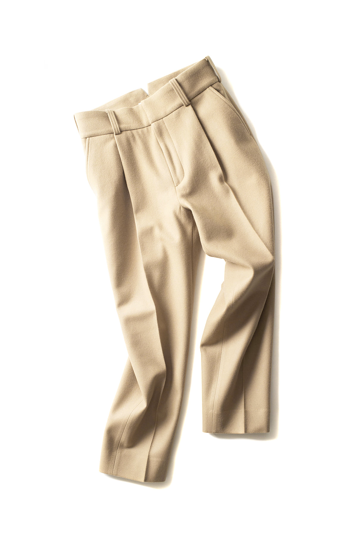 KURO : One Tuck Tapered Trouser (Beige)